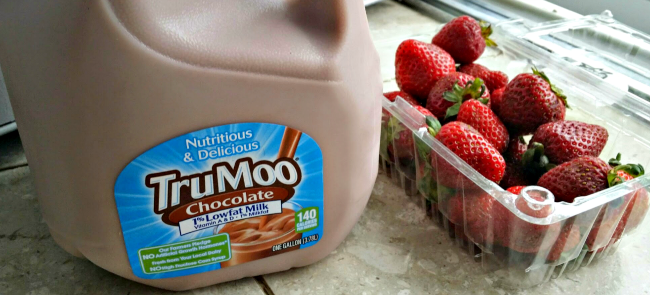 Chocolate Strawberry TruMoo Frozen Pops ingredients