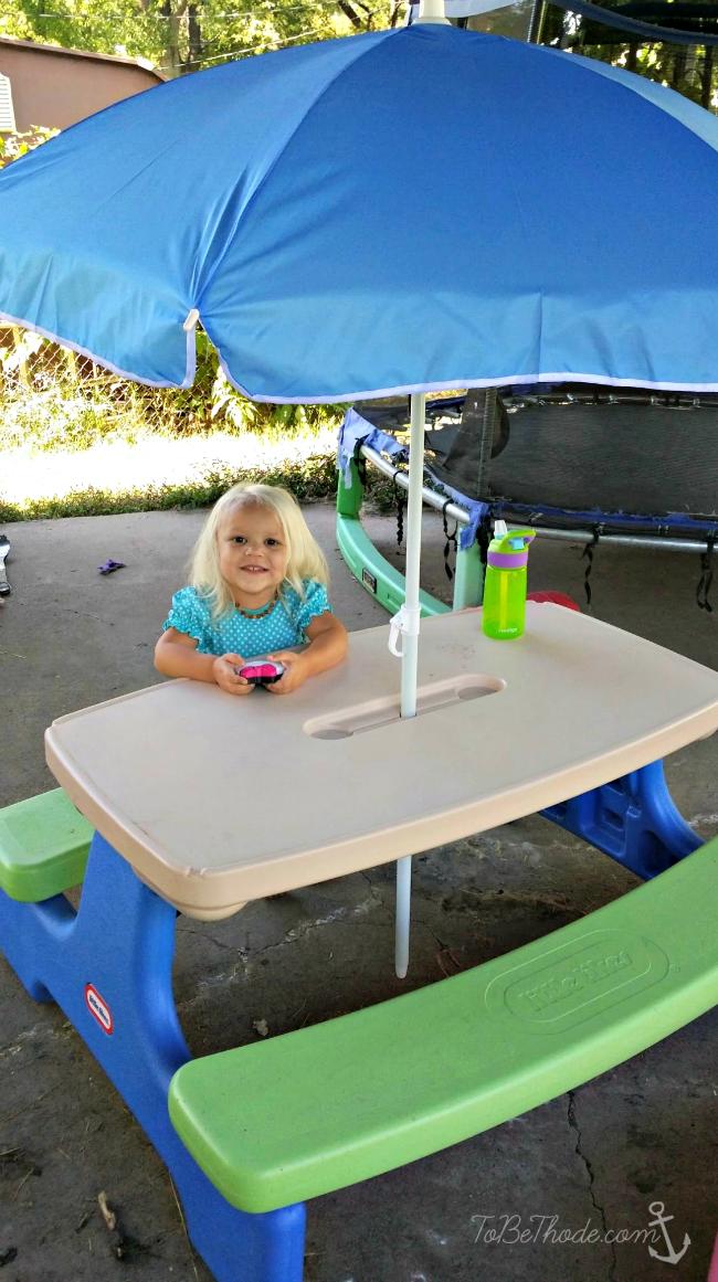 little tikes umbrella table