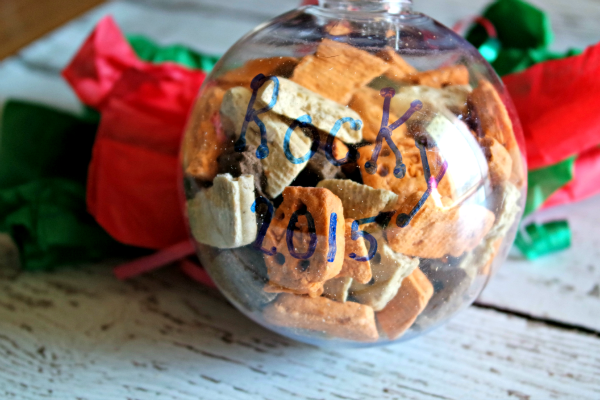 3 ways to include your dog in the holiday festivities using dog treats
