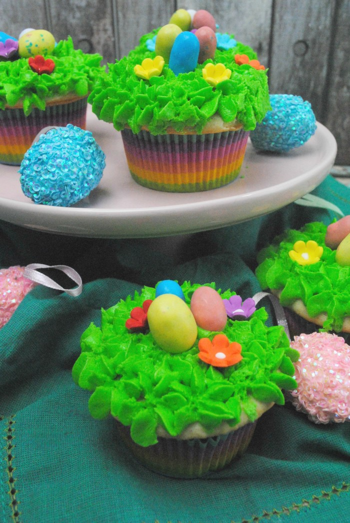 easter egg hunt cupcake
