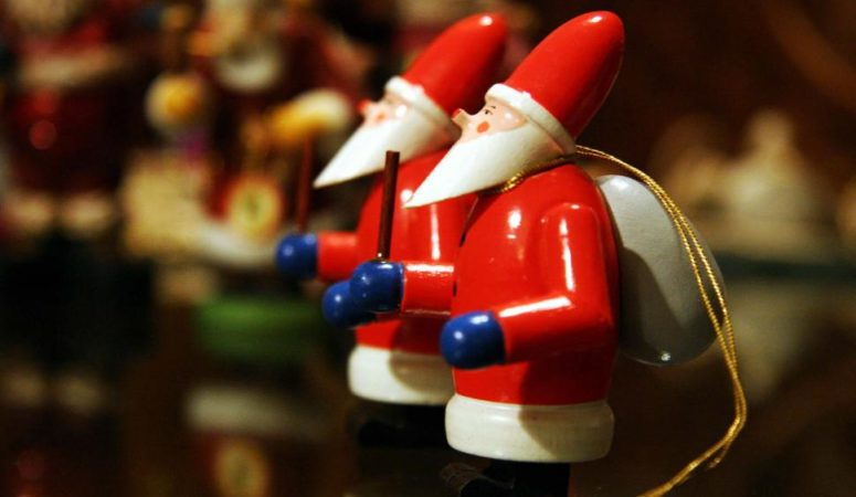 Christmas Holiday Decorating Guide