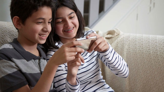 Mobile Phone Parental Controls – A Smart Way to Peek Into Kids Digital Activities