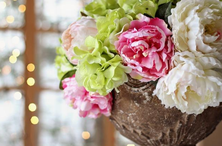 The Ultimate Guide to Colors in Floral Arrangements
